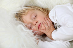 Garçon de sommeil Photo libre de droits