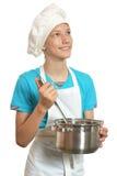 Garçon de sourire de cuisine image stock
