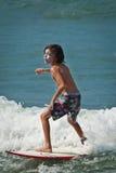 Garçon de surfer Images libres de droits