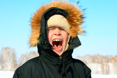 Garçon en hiver images libres de droits