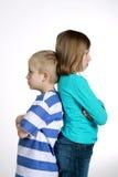 Garçon et fille après querelle image stock