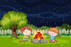 Garçon et fille au feu de camp illustration de vecteur