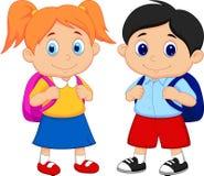 Garçon et fille de bande dessinée avec des sacs à dos Photographie stock libre de droits