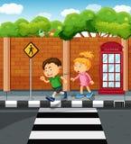 Garçon et fille sur le trottoir illustration libre de droits