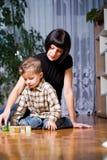 Garçon et maman image libre de droits