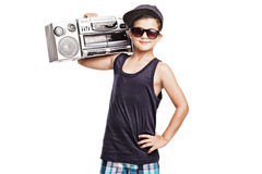 Garçon frais dans l'équipement d'houblon de hanche tenant une sableuse de ghetto photographie stock libre de droits