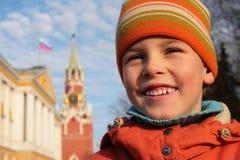 garçon kremlin photos libres de droits
