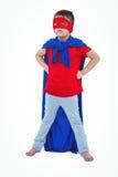 Garçon masqué feignant pour être super héros Photo libre de droits