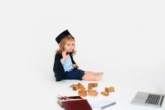 Garçon mignon dans le chapeau carré Image libre de droits