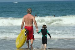 Garçon sur la plage Image stock