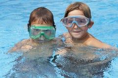 Garçons dans l'eau Image stock