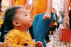 Garçons dans le jour de l'enfant images libres de droits