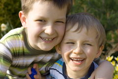 Garçons de sourire images libres de droits