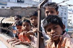 Garçons de taudis-Inde Photos stock