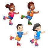 Garçons et filles d'enfants de roller Photos stock