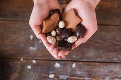 Garść czekoladowy cukierki mieszkanie nieatutowy Zdjęcie Stock