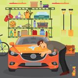 Garażuje z samochodem, bicyklem i narzędziami wiesza na ścianie, obmycia samochód Obrazy Royalty Free