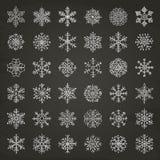 Garabatos de las escamas de la nieve del invierno stock de ilustración
