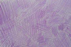 Garabatos violetas del creyón en la textura de papel del fondo imagen de archivo libre de regalías