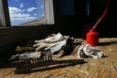 Garage abandonado en pueblo fantasma Foto de archivo