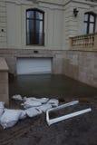 Garage complètement inondé à la suite d'ouragan Sandy dans Rockaway lointain, New York Images stock