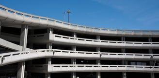 Garage de stationnement à l'aéroport Image libre de droits