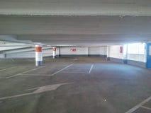 Garage de stationnement vide Photographie stock libre de droits