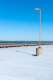 Garage del tetto con il lampione isolato Fotografia Stock Libera da Diritti
