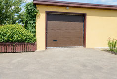 Garage jaune Photo libre de droits