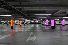 Garage neuf photographie stock libre de droits