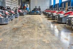 Garage in pieno dei go-kart Immagini Stock Libere da Diritti