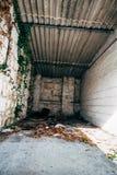 Garage vuoto dell'automobile fotografie stock libere da diritti