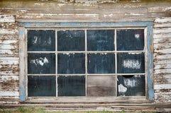 Garage Windows i lantliga Amerika Arkivbild