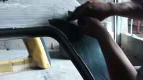 Garageauto het kleuren het onderhoud van de lichaamsreparatie stock footage