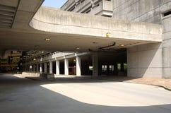 Garagem de estacionamento concreta na estação de MBTA Fotografia de Stock Royalty Free