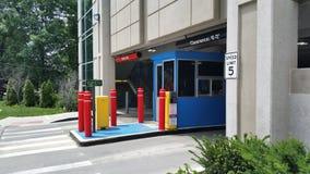 Garagem de estacionamento nova fotografia de stock royalty free