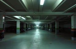 Garagem de estacionamento subterrânea Fotografia de Stock Royalty Free