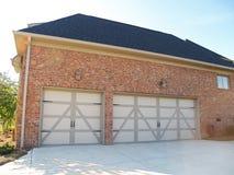 Garagem de três carros Fotografia de Stock Royalty Free