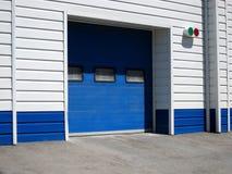 Garagem para o carro fotografia de stock royalty free