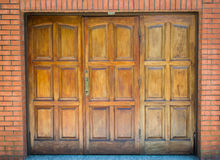 Garagen-hölzerner Eingang Lizenzfreie Stockfotografie