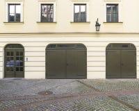 Garagen und Tür Lizenzfreie Stockfotos