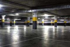 garageparkering Arkivfoton