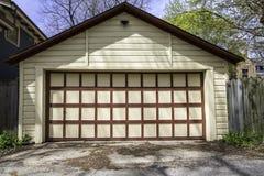 Garaje de dos coches imagen de archivo libre de regalías