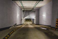 Garaje de subterráneo o estacionamiento moderno del coche Fotografía de archivo libre de regalías