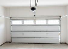 Garaje residencial de la casa Imágenes de archivo libres de regalías