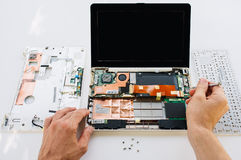 Garantiewartung des Laptops (PC-Computer) Lizenzfreies Stockfoto