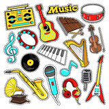 Garatuja dos instrumentos musicais para o álbum de recortes, etiquetas, remendos, crachás com guitarra Fotos de Stock