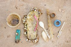 Free Garbage In The Sea Stock Photo - 117980380