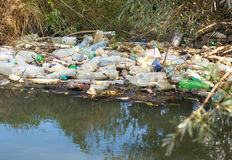 Garbage in river Royalty Free Stock Photos