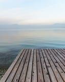 Garda湖风景在北意大利在冬天 免版税库存图片